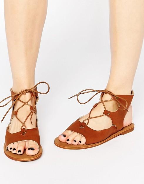 Sandal tone màu trung tính cho mùa Hè