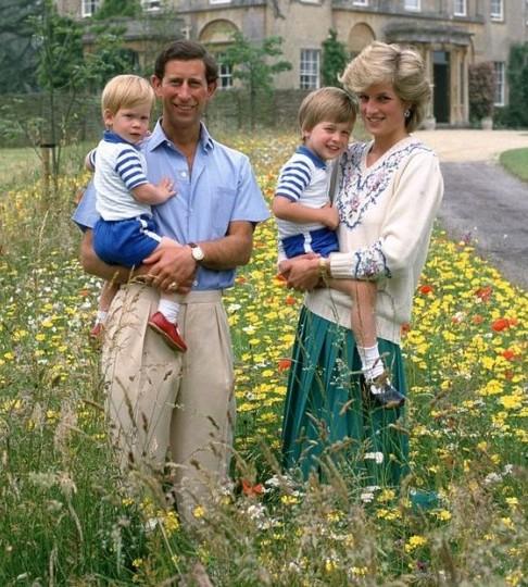 Công nương Diana và gia đình hạnh phúc