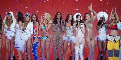 Các Người mẫu Victoria's Secret Taylor Hill