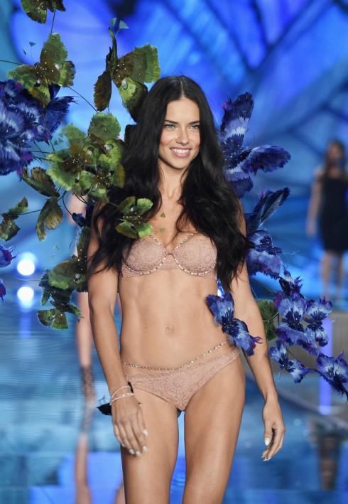người mẫu Victoria's Secret Adriana Lima