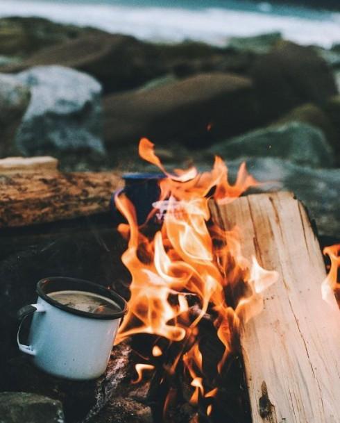 Du lịch phượt cắm trại với bạn