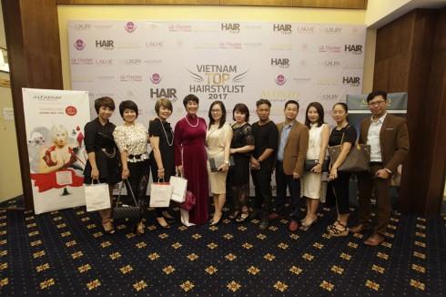 Với sự chỉ đạo của Hội đào tạo - pt nghề làm đẹp VN Vietnam Top Hairstylist 2017 mở ra cơ hội hợp tác không chỉ của các đối tác trong nghề làm tóc mà còn tạo ra các mối liên kết giữa các nghề trong ngành làm đẹp.