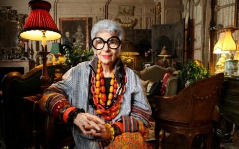 Chân dung Iris Apfel - biểu tượng thời trang đáng kính