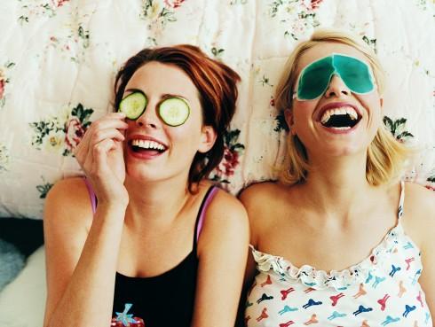 Làm sao để hạnh phúc trong tình yêu lẫn tình bạn? dành thời gian cho từng người
