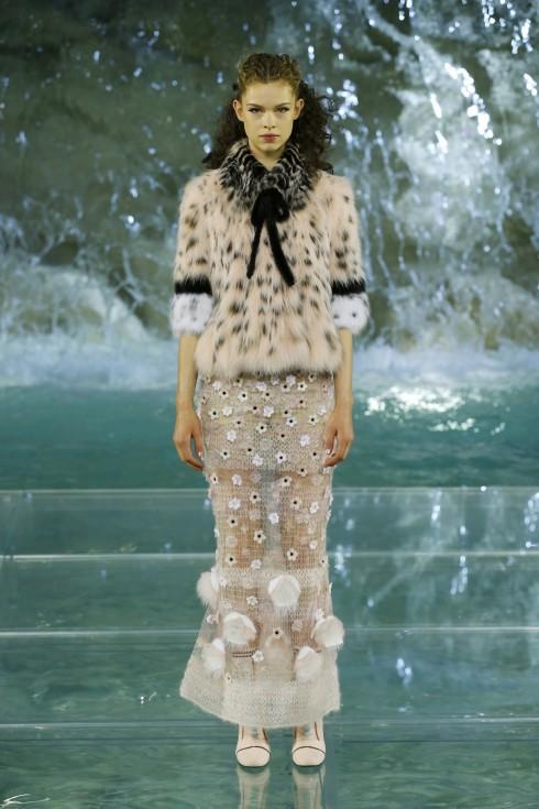 Lông thú là điều không thể thiếu trong những thiết kế của Fendi