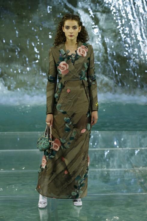 Những thiết kế hoa hồng của Fendi