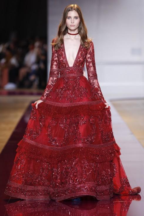 Những người mẫu xuất hiện lộng lẫy như những bà hoàng trong thiết kế của Zuhair