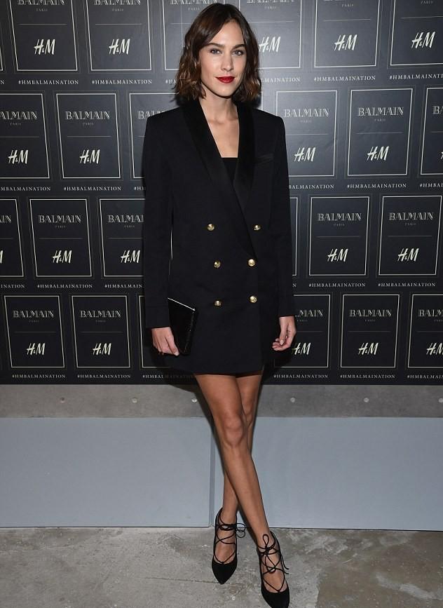 Alexa Chung ra mắt thương hiệu thời trang ALEXACHUNG