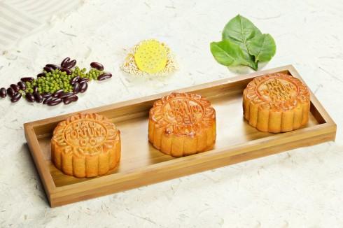 Bánh Trung Thu truyền thống đậm đà hương sắc mùa trăng.