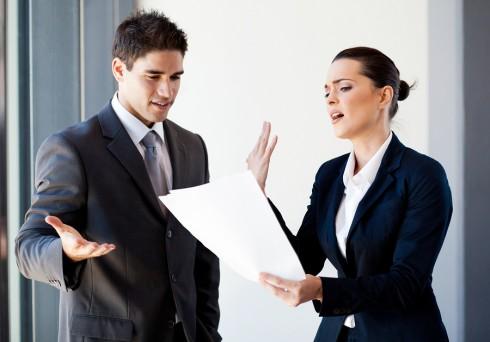 Phụ nữ đôi khi cũng có những mâu thuẫn với đàn ông trong công việc và cuộc sống