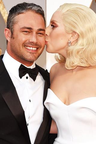 Lady Gaga bất ngờ chia tay bạn trai sau 5 năm bên nhau