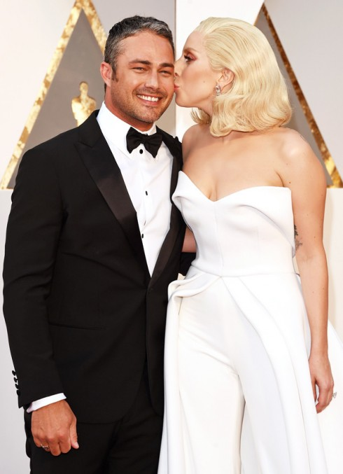 Lady Gaga bat ngo chia tay voi ban trai sau 5 nam ben nhau 5