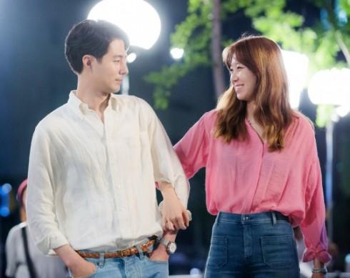 Cách phối đồ đôi đẹp của Gong Hyo Jin và Jo In Sung