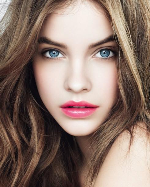 Bí quyết làm đẹp cho đôi môi : Chọn son bóng nhũ