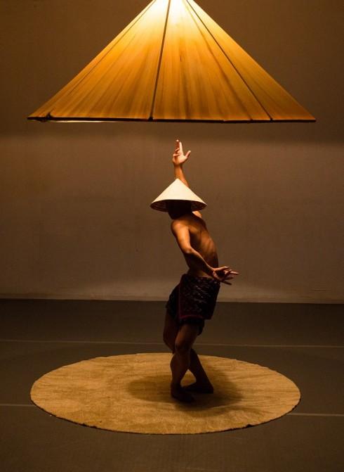 """Khải, Quang và hành trình của Show nghệ thuật đương đại """"Nón""""-1"""