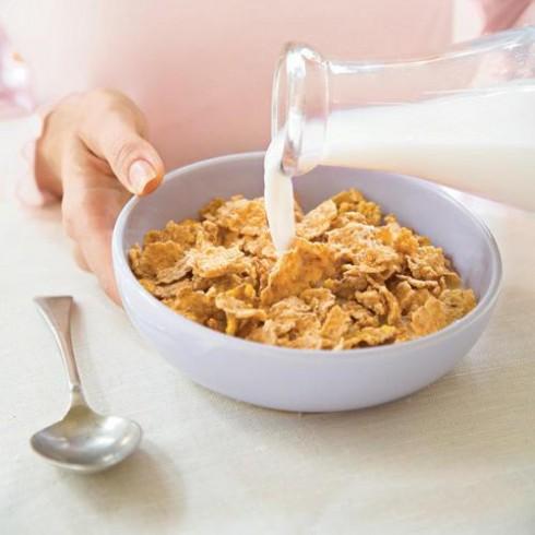 bữa ăn sáng của Khloe thường gồm ngũ cốc với sữa