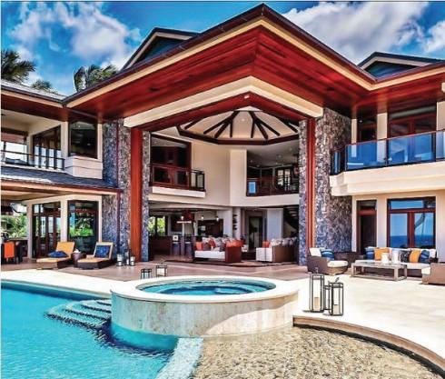 Những ngôi nhà đẹp như mơ với đầy đủ các tiện nghi hơn mức cần thiết nằm biệt lập ở một khu đất có view nhìn ra biển hồ mênh mông