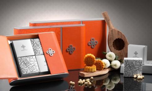 Ngoài ra, khách hàng có thể kết hợp các loại hộp bánh và rượu theo lựa chọn của mình.