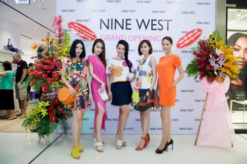 MC Thúy Hằng, Thúy Hạnh, hoa hậu biển Ninh Hoàng Ngân, Á khôi áo dài Yến Nhi có mặt trong lễ khai trương