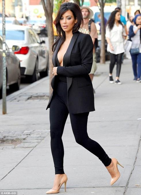 kim kardashian - elle 14