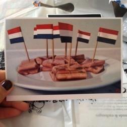 Bánh mỳ kẹp cá hồi ở Hà Lan