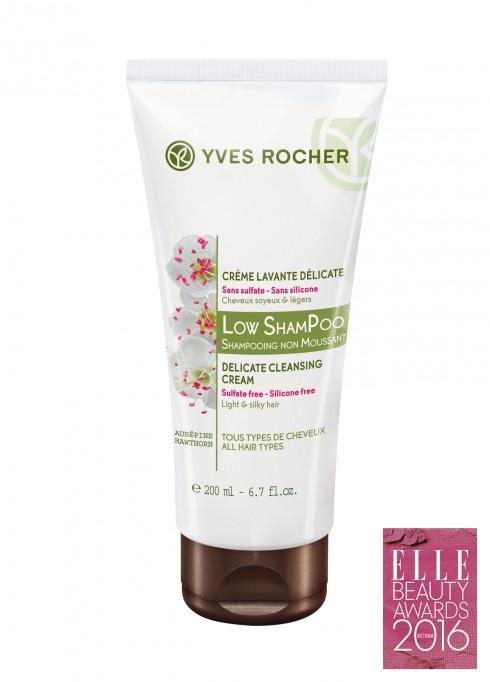 <strong>6. YVES ROCHeR LOW POW SHAMPOO</strong><br/>Dầu gội không bọt Yves Rocher Low Pow Shampoo có công thức chăm sóc tóc từ thiên nhiên sẽ nhẹ nhàng làm sạch da đầu, mang lại cảm giác sảng khoái với hương thơm thư giãn. Thành phần dịu nhẹ cùng công thức không tạo bọt chăm sóc tóc hiệu quả, giúp tóc mềm mượt và chắc khỏe hơn. Giá: 349.000 VNĐ.