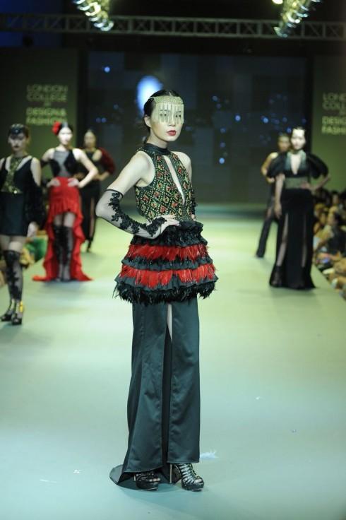 Cảm hứng từ điệu nhảy nổi tiếng Tây Ban Nha - Flamenco.