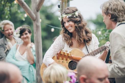 Tổ chức tiệc cưới theo phong cách bohemian - âm nhạc