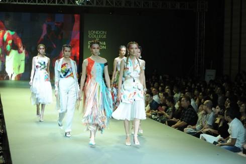 BST gồm đồ tailoring và đồ dạ hội dành cho các quý cô yêu hội họa, thiết kế, nghệ thuật và có tâm hồn nữ tính, độc lập, sắc sảo và thời trang.