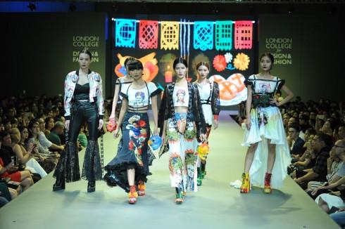BST của Hoàng Dung Tú là sự kết hợp giữa phong cách đường phố và trang phục dạ hội.