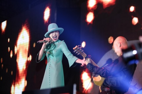 Đại tiệc kỷ niệm 9 năm của Tập đoàn CMG.ASIA - Đại tiệc của người nổi tiếng - hồ ngọc hà hát