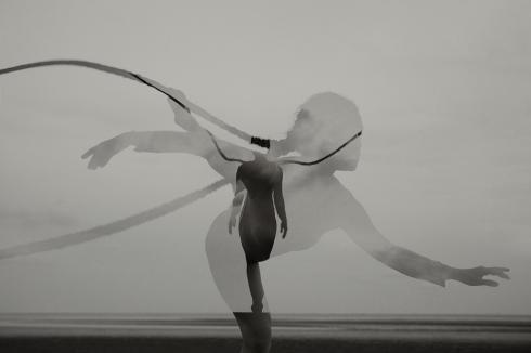 """""""Tóc"""" múa ballet trong bộ ảnh nghệ thuật """"Arch"""" của Đỗ Hải Anh"""