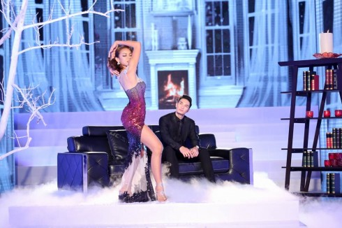 Quỳnh Mai khoe vũ điệu sexy.