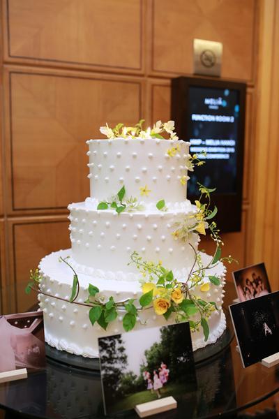 khách sạn Meliá Hanoi hân hạnh giới thiệu các gói tiệc cưới Romance by Meliá 1, 2, 3 cho mùa cưới năm nay cùng nhiều tiện ích lớn đi kèm.