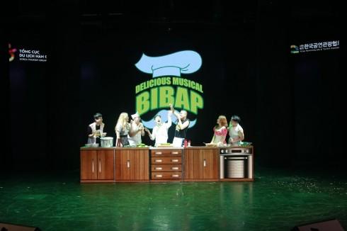 Bibap - Chương trình biểu diễn nghệ thuật không lời mô phỏng quá trình làm món cơm trộn đặc trưng của Hàn Quốc dựa trên nền nhạc đương đại.