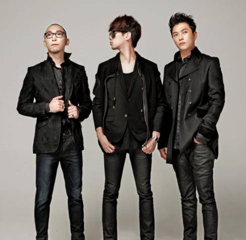 Ban nhạc IDIOTAPE đến từ Hàn Quốc.