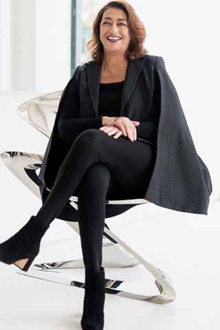 Zaha Hadid - Nữ hoàng của những đường cong kiến trúc