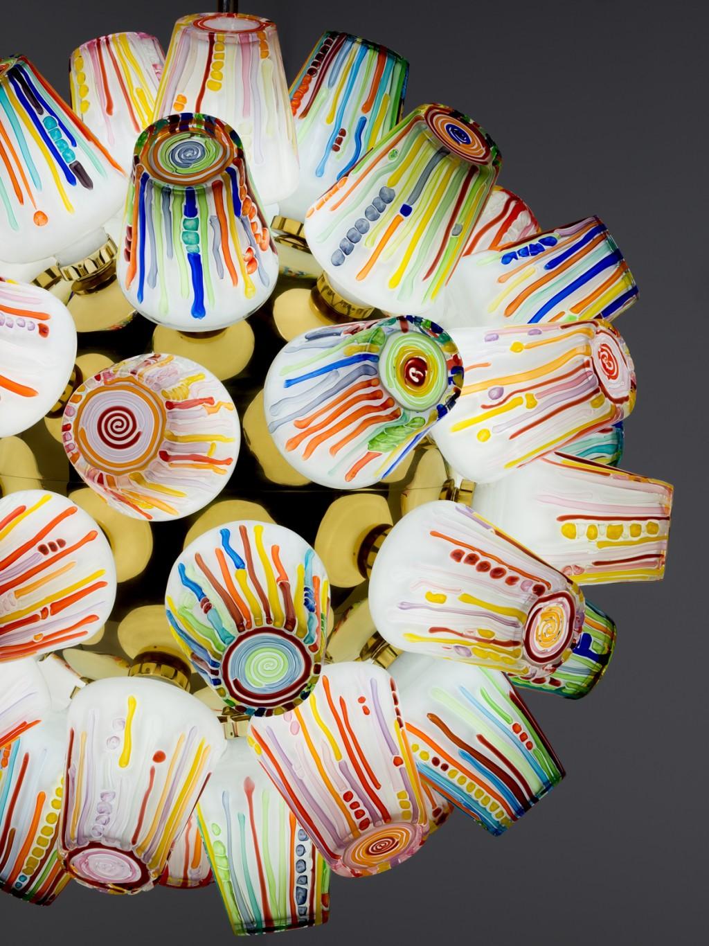 Candy Collection cho hãng Lasvit được lấy cảm hứng từ những màu sắc sặc sỡ của kẹo và khung cảnh kỳ diệu của những bong bóng thủy tinh được kéo thành hình, dẻo quyện như kẹo caramel