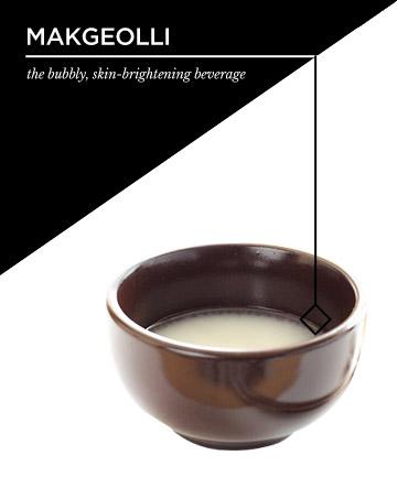 Hiệu quả cho làn da: Một bình nước rượu gạo chứa những vi khuẩn lên men tương đương với 100 cốc sữa chua, đủ để cân bằng cho cả hệ thống tiêu hoá và làn da của bạn