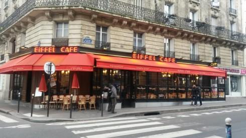 Quán cafe đẹp ở Châu Âu - muôn màu muôn vẻ - Quán cà phê gần tháp Eiffel, Paris Pháp
