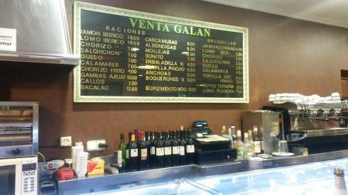 Quán cafe đẹp ở Châu Âu - muôn màu muôn vẻ - Quán cà phê đồ ăn nhanh trong nhà nghỉ phố huyện tại Tây Ban Nha