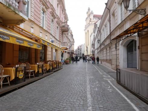 Quán cafe đẹp ở Châu Âu - muôn màu muôn vẻ - Cà phê đường phố trong phố cổ Vilnius, Lithuania