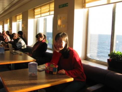 Quán cafe đẹp ở Châu Âu - muôn màu muôn vẻ - Quán cà phê trên tàu Viking Lines, Thụy Điển