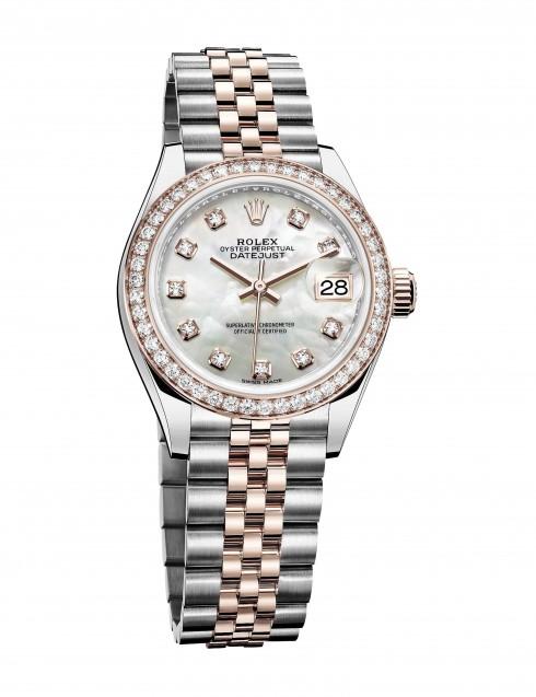 . Phiên bản đồng hồ Oyster Perpetual Lady-Datejust 28 mới nhất không chỉ kế thừa kiểu dáng mà còn được đính kim cương trang trí đầy tinh xảo và thời trang. dong ho nu cao cap 9