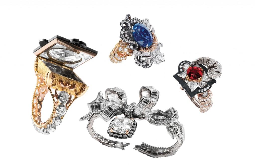Victoire de Castellane không chỉ chơi đùa với những yếu tố kiến trúc mà còn mời chúng ta tham quan Dior À Versailles,