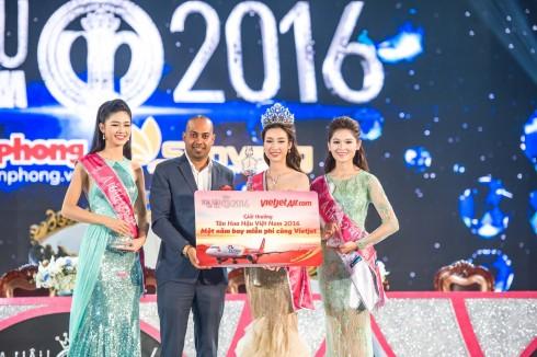 Vietjet dành tặng 1 năm bay miễn phí cho Tân Hoa hậu Việt Nam 2016