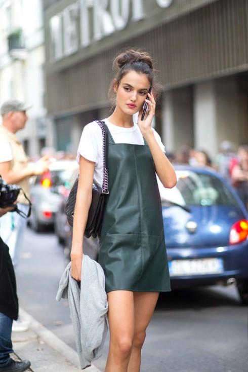 Cách phối đồ với Overall Dress