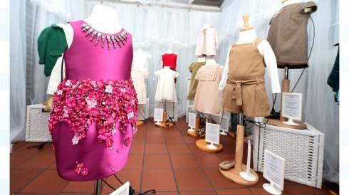 Chiếc váy hồng này từng được sở hữu bởi bé Harper Beckham.