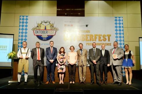 Ban tổ chức cùng những nhà tài trợ đồng hành giới thiệu lễ hội Bia lớn nhất thế giới tới Hà Nội
