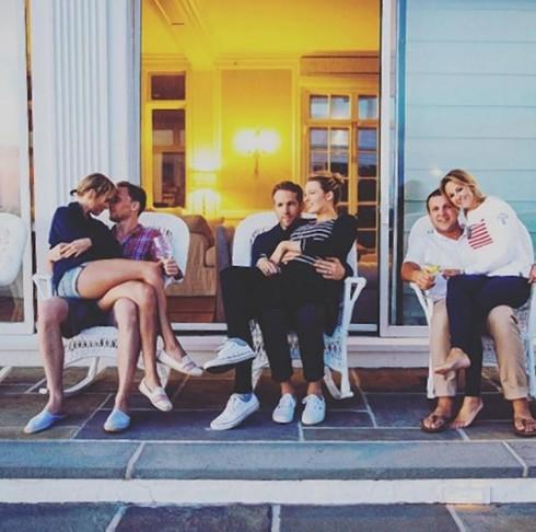 Taylor và Tom đã trải qua kì nghĩ lễ Quốc Khánh Mỹ cùng nhau và với các ngôi sao khác